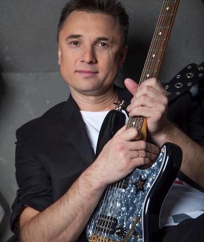 Педагог по гитаре Александр Груздев