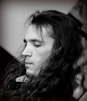 Фото педагог по гитаре