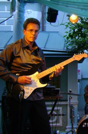 Фото Томас В. преподаватель гитары