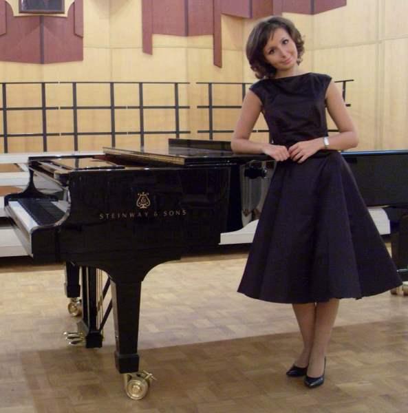 Преподаватель фортепиано Айсина А.